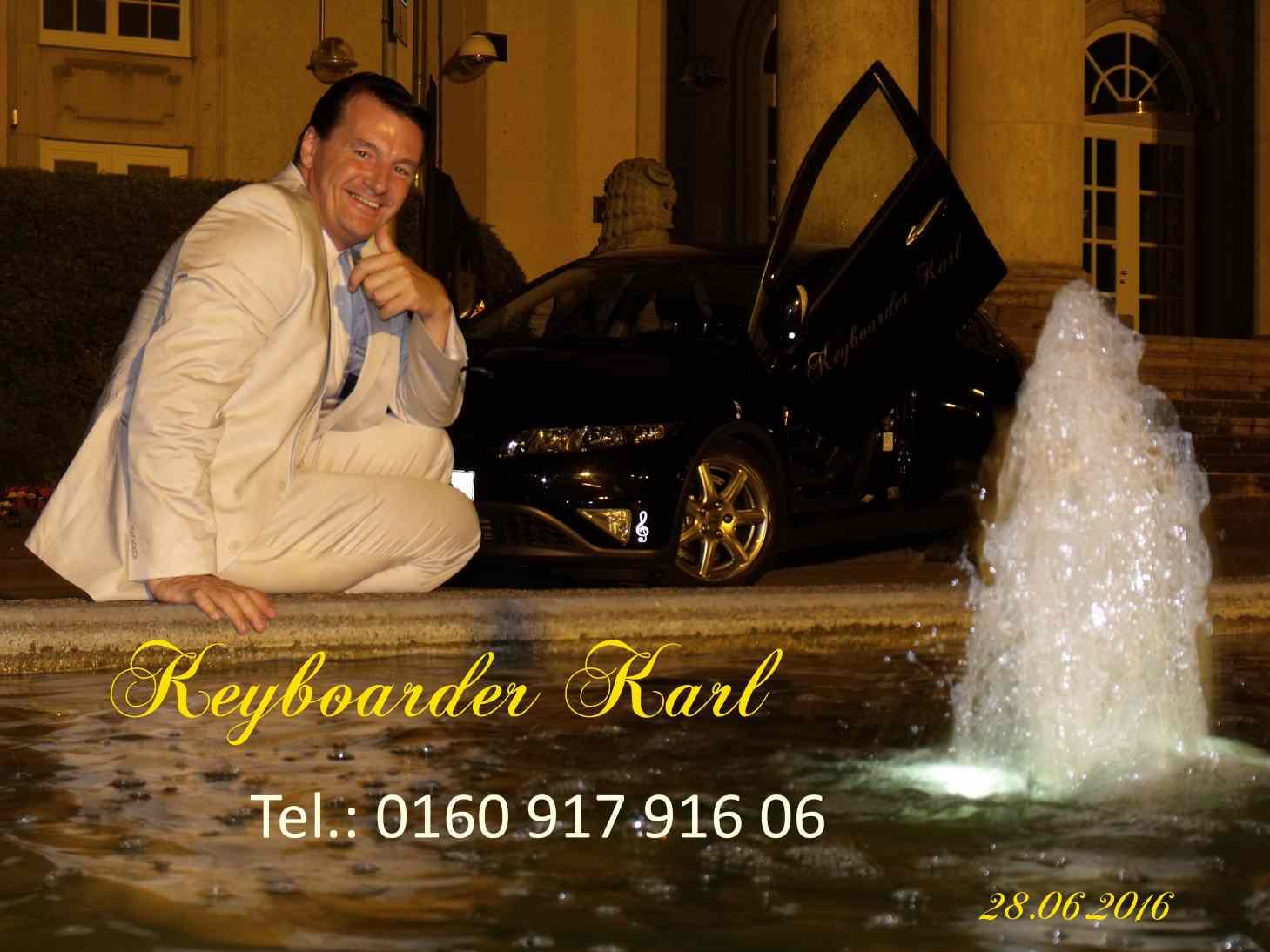 Liebe zum Detail - Alleinunterhalter Keyboarder Karl lebt seinen Job als Alleinunterhalter und Party DJ